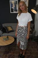 חצאית אנה מנומרת