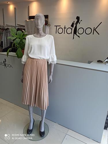 חצאית דמוי עור ורודה