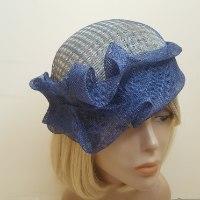 כובע כחול מעוצב דגם תלתלים