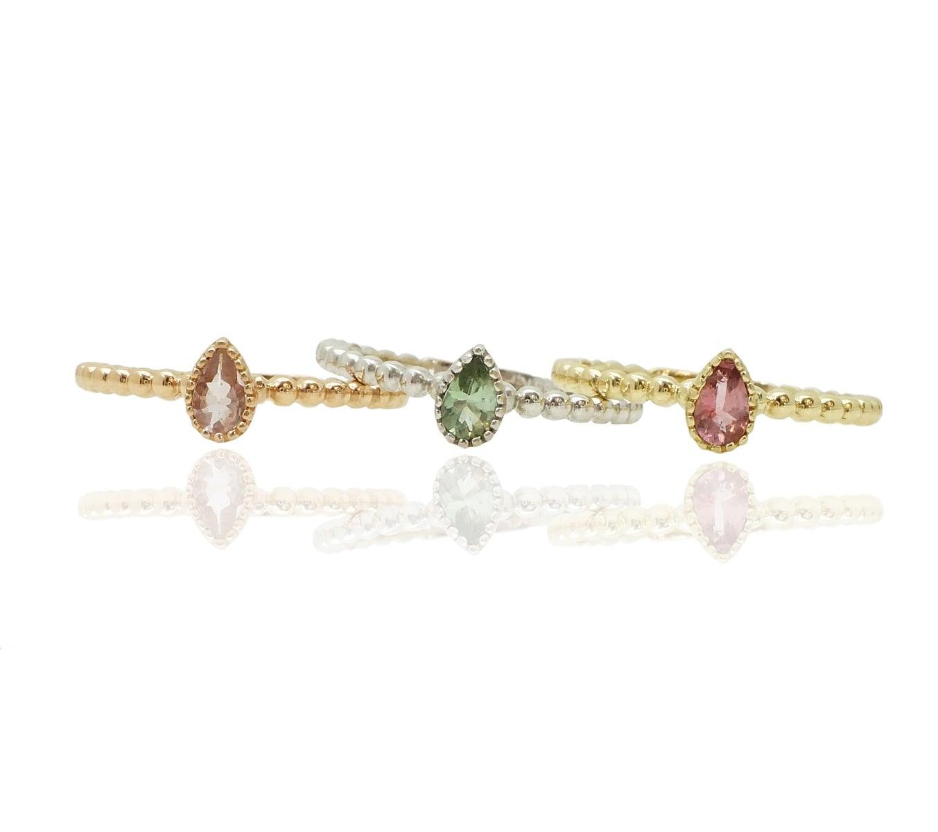 טבעת זהב כדורי טיפה עם אבן חן טורמלין יפהפייה מלאת צבע