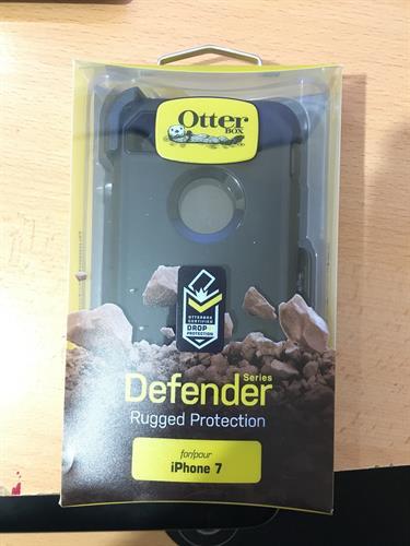 Otterbox defender תלת שכבתי (שחור) לאייפון 7