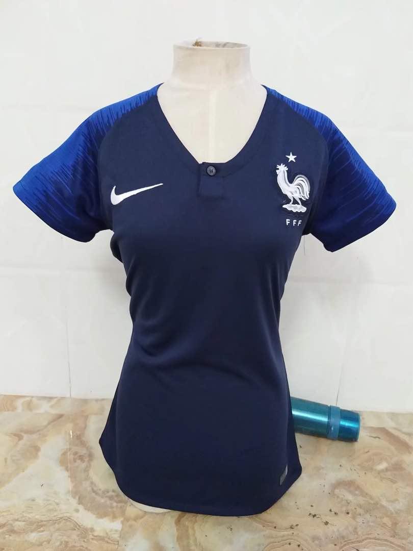 חולצת נשים צרפת