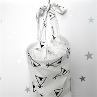 סינר הנקה טטרה שחור-לבן