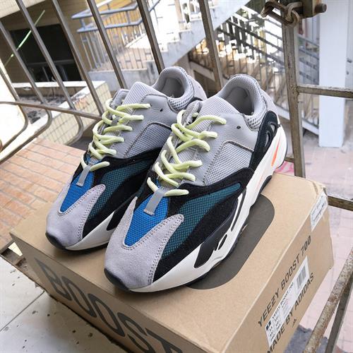 Yeezy 700  V2 - נעלי הליכה ספורטיביות יוניסקס  דגם 039