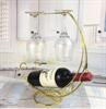 זהב - מעמד בקבוק יין מתכת עם כוסות