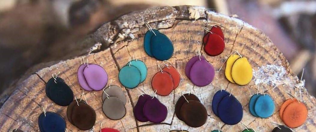עגילים - טאגווה תכשיטים אורגניים-   Tagua Organic Art