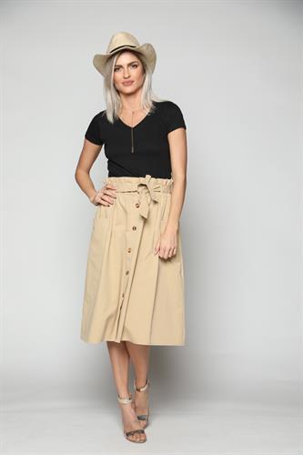 חצאית נשים מעוצבת שילוב כפתורים קרם