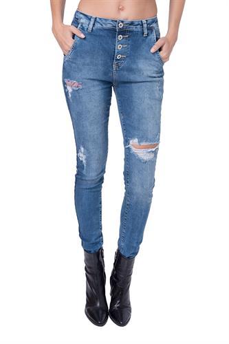 ג'ינס אנדרו