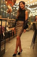 חצאית דמוי עור מטאלית מנומרת