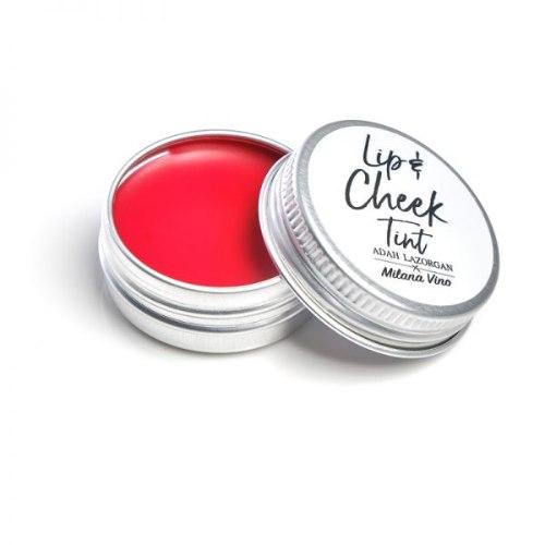 גלוס בעל פיגמנט נעים וקליל למריחה על השפתיים או על הלחיים להשגת לחות ומראה עור שזוף.