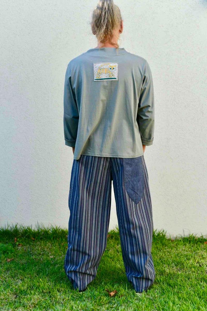 חולצות מדגם איה בצבע אפור-זית