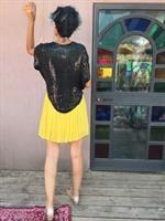 חולצת פאייטים שחורה מידה M/L
