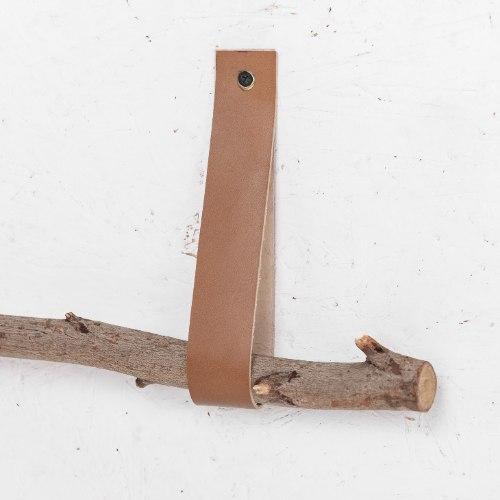 זוג רצועות עור לתליית הענף - ארוכות. צבע קאמל