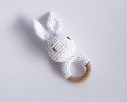 רעשן ארנב סרוג לבן M