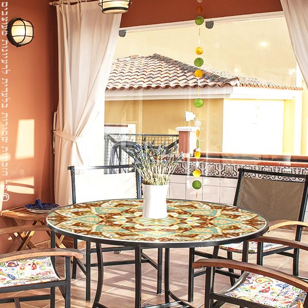 מפת שולחן פיויסי דקורטיבית- מנדלה מנטה קרם ל-שולחנות מעוצבים