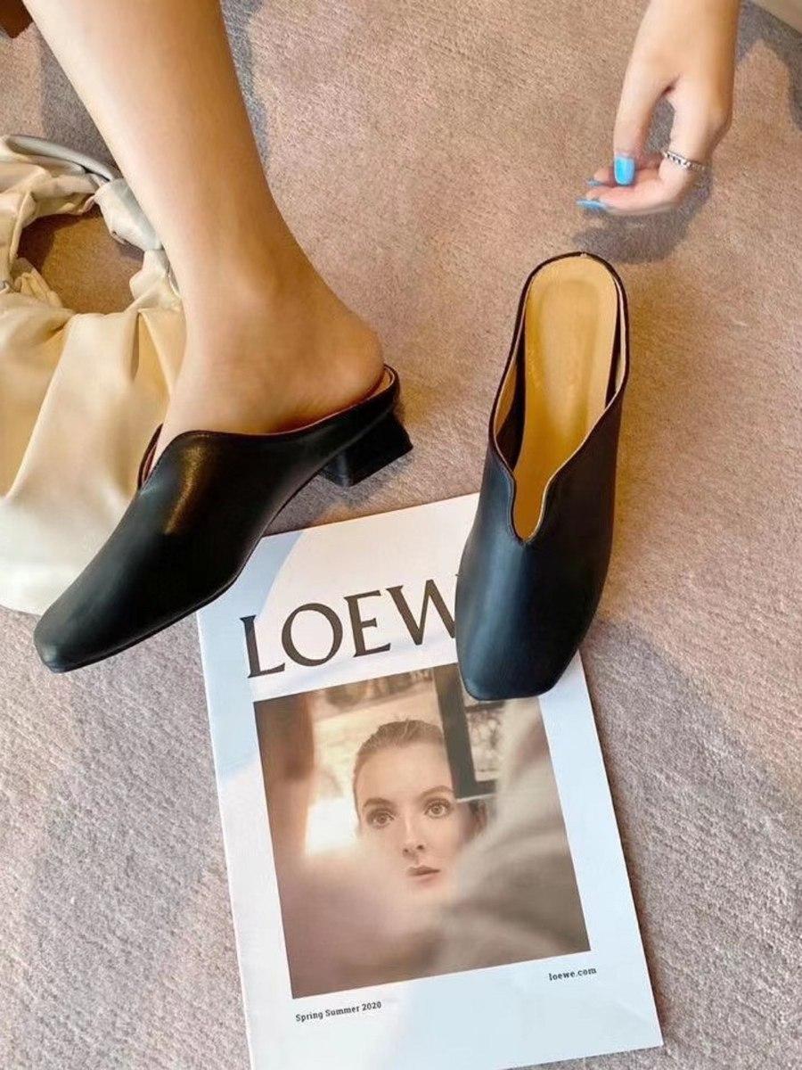 נעלי וי שחור