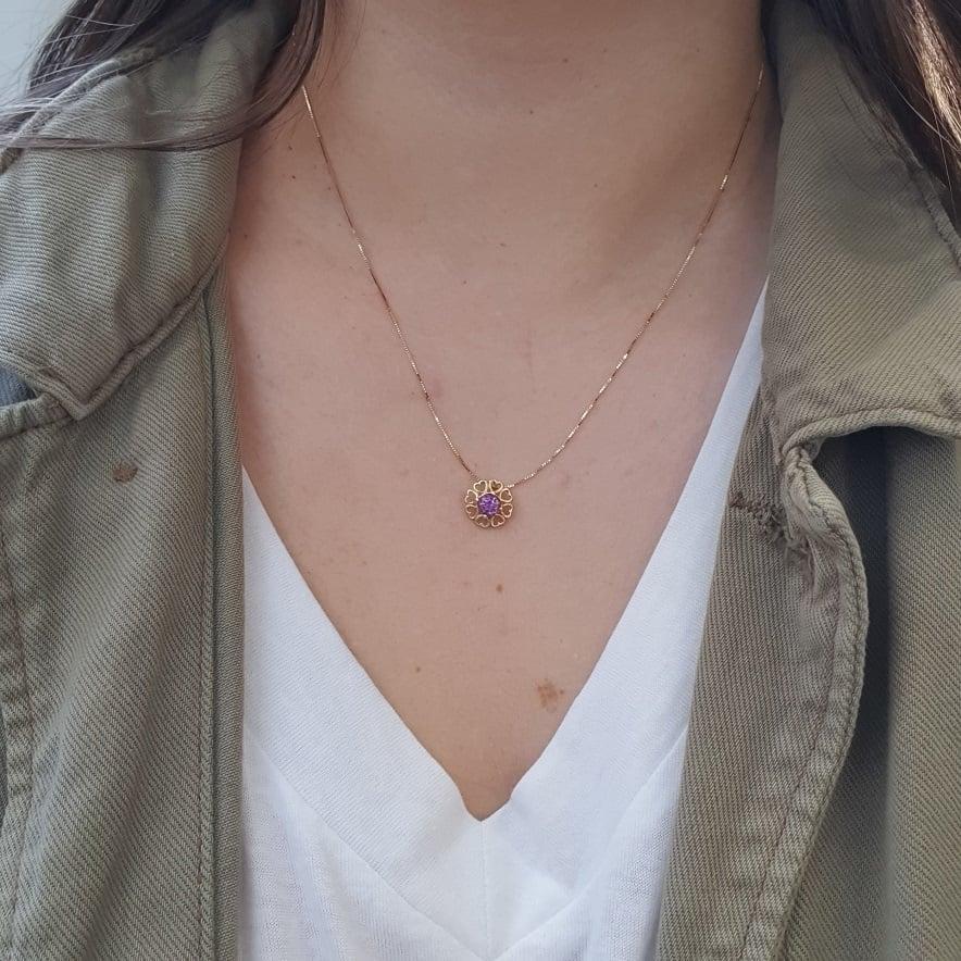 שרשרת זהב עם תליון ואבן אמטיסט טבעית