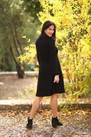 שמלת גלי שחורה .