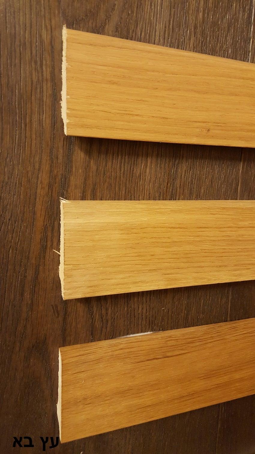 """פנל עץ אלון 6 ס""""מ גובה 2.5 מטר אורך"""