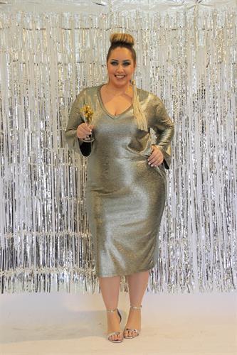 שמלת קירה זהב