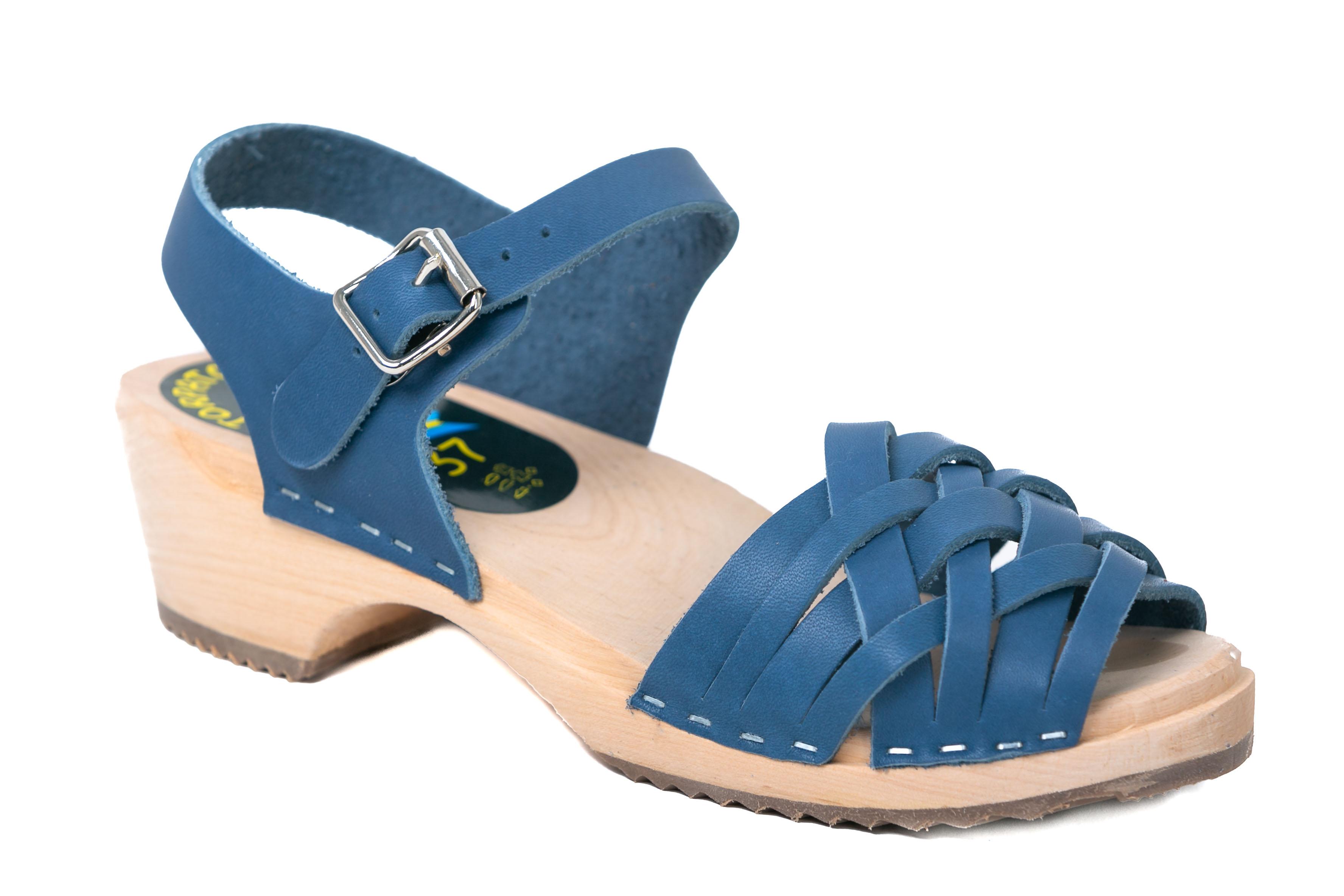 סנדלי עץ נשים רצועות עקב נמוך כחול ג'ינס מט