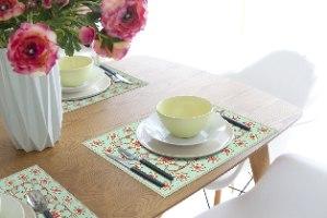 פלייסמט  מבודד חום לשולחן ירקרק רומנטי TIVA DESIGN