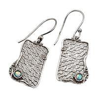 עגילי כסף תלויים מעוצבים בשילוב אבני אופאל  A8564 | תכשיטי כסף | עגילי כסף