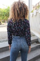 חולצת מריפוסה פרחים