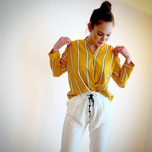 חולצת טיילור כפתורים - גוון חרדל