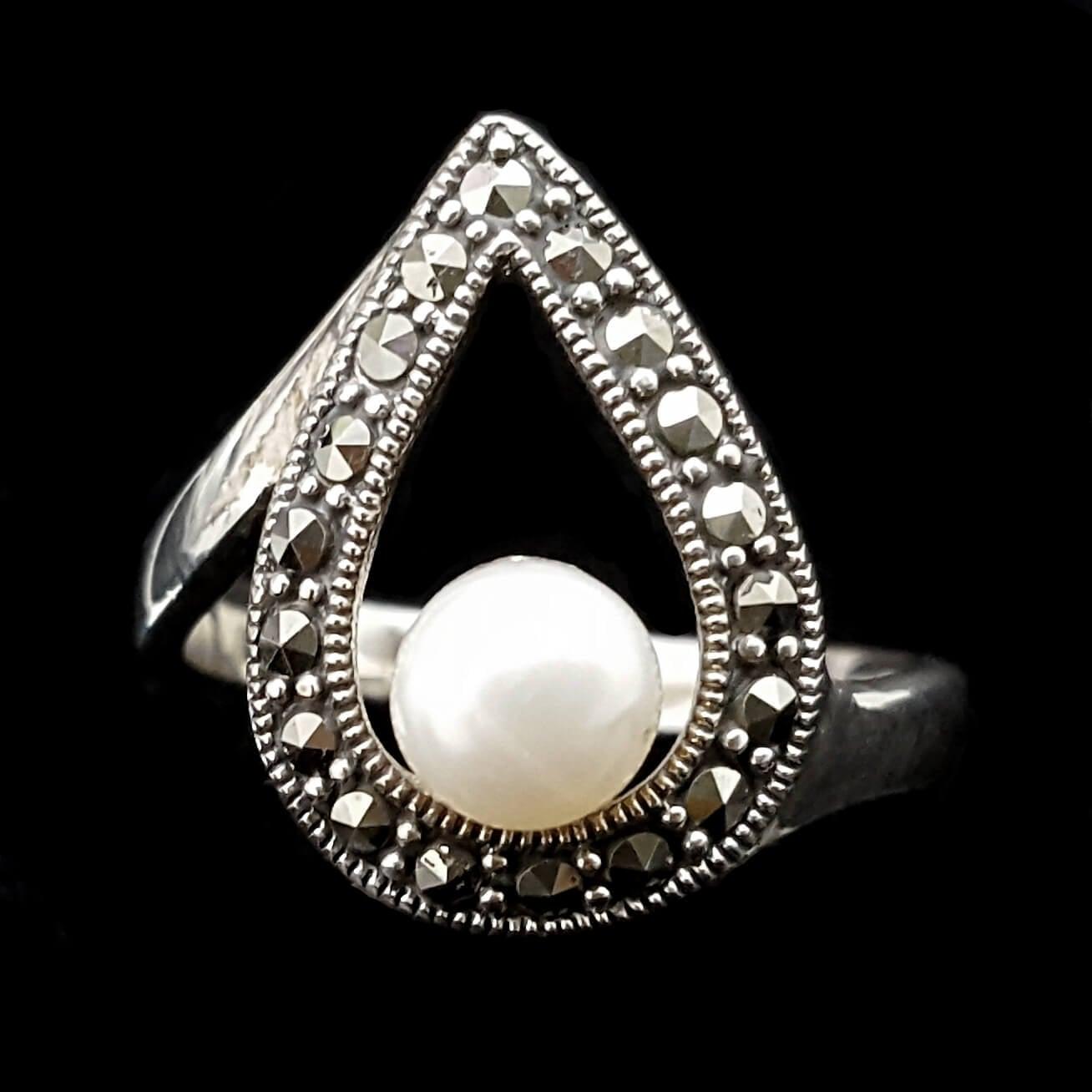 טבעת כסף משובצת מרקזטים ופנינה לבנה RG1471   תכשיטי כסף 925   טבעות כסף