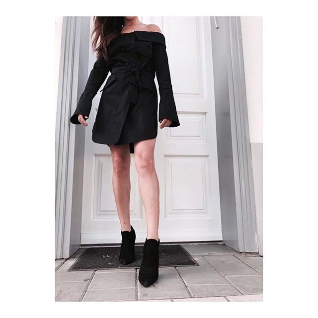 שמלת ביוטי שחורה
