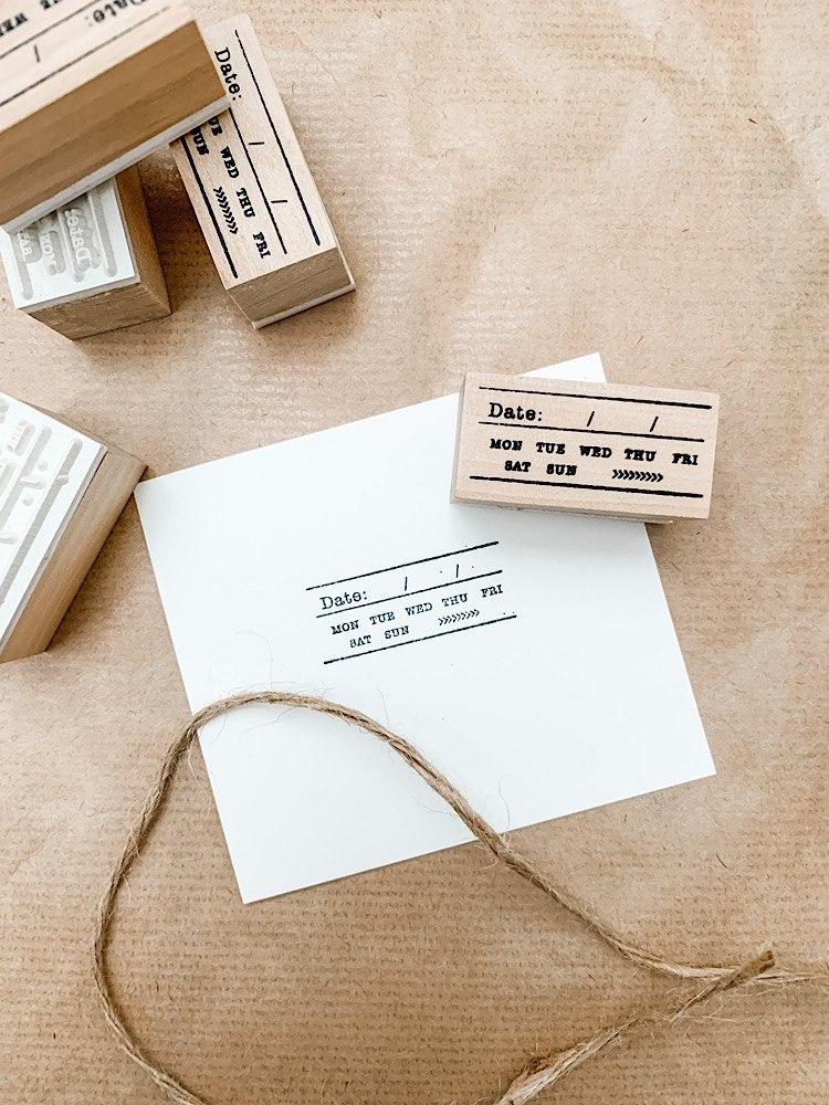 חותמת עץ- תאריכון