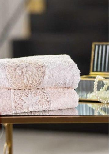 מגבות גאקרד ויצנזה מגבות יוקרה בעיצוב רומנטי עשויות 100% כותנה מפנקת ורכה
