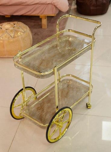 עגלת תה נירוסטה בצבע זהב מדפי זכוכית שיש שמנת מידות: 72X38X74