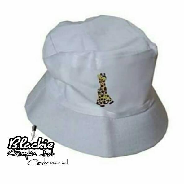 """כובע """"צבאי"""" הדפס גראפי """"גירפה"""""""