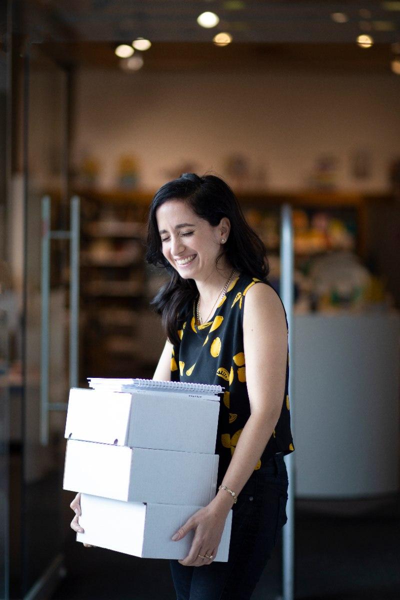הדרכה 1:1 כיצד לשווק ולהפיץ את מוצריכם לחנויות