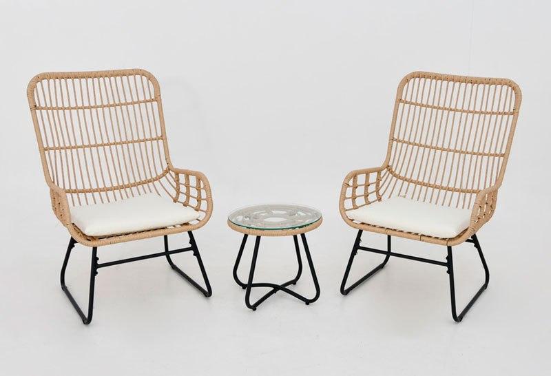 סלון גינה הכולל 2 כורסאות ושולחן לבן