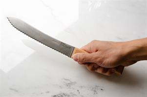 סכין לחם OPINEL