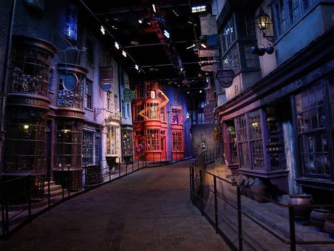 לונדון - כרטיסים לביקור באולפני הסרט הארי פוטר (כולל העברות)