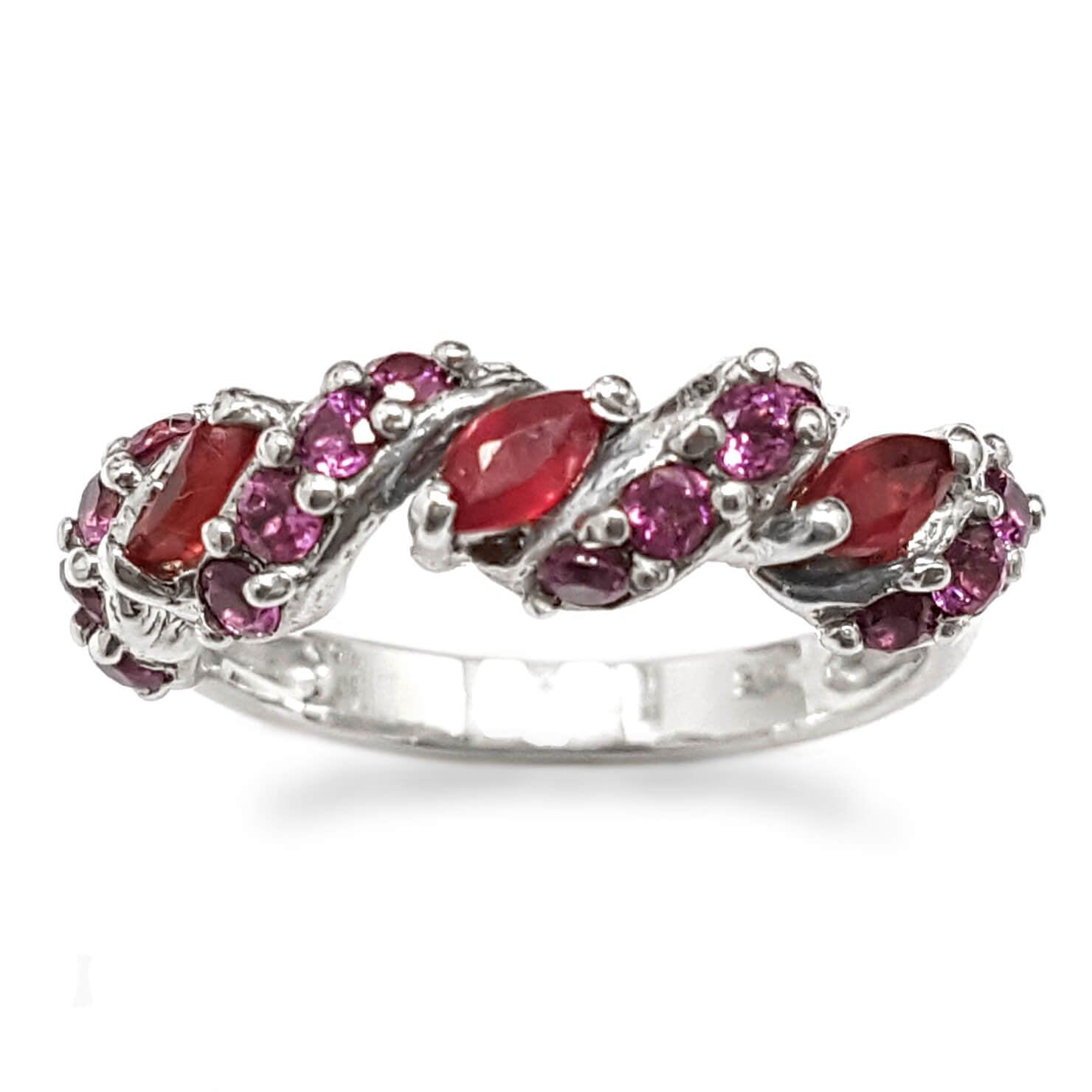טבעת כסף משובצת אבן רובי אדומה ואבני גרנט קטנות  RG5916 | תכשיטי כסף 925 | טבעות כסף