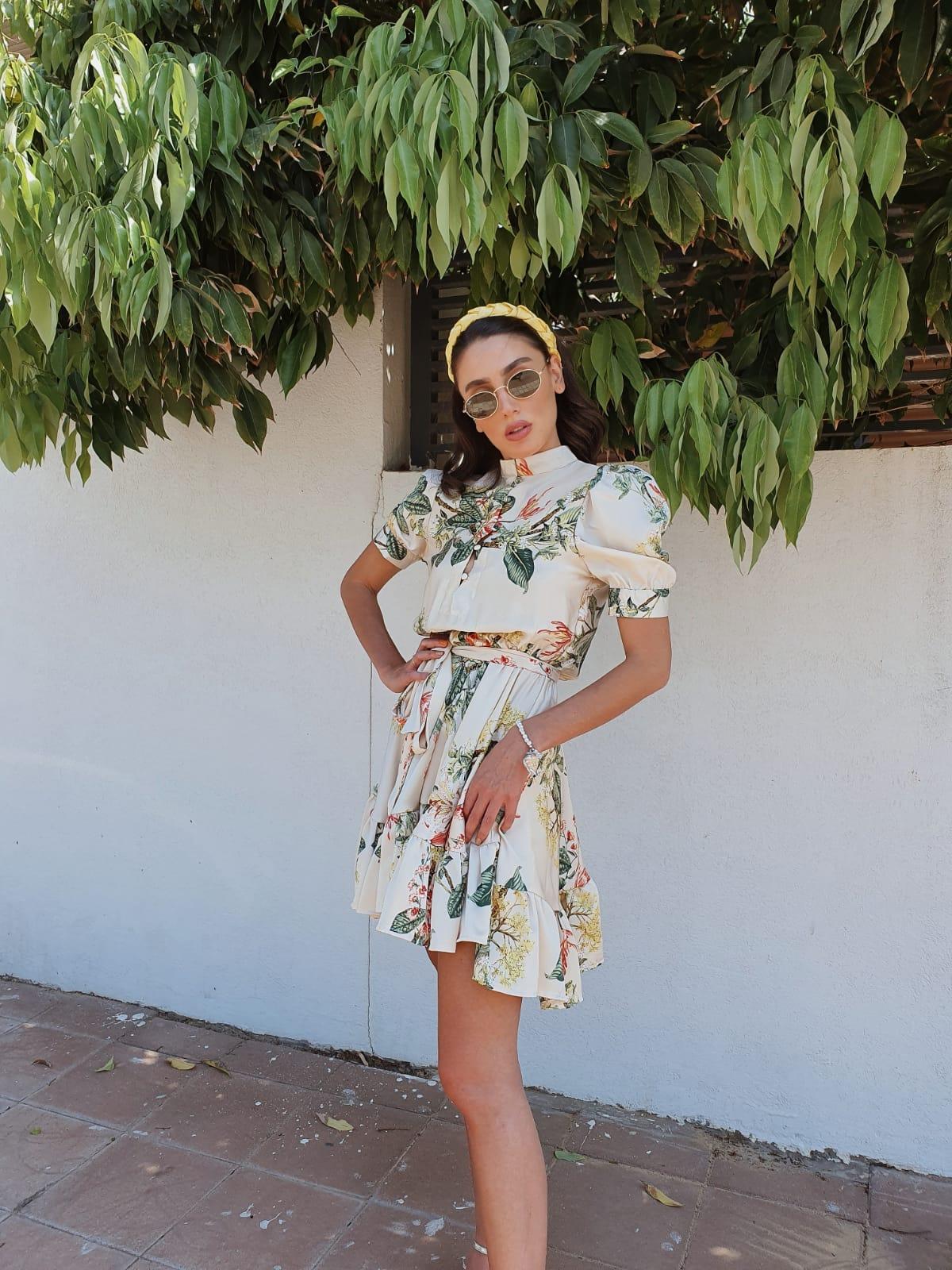 שמלת ורסאי - פרחונית שמנת