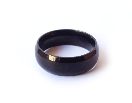טבעת שחורה דקה