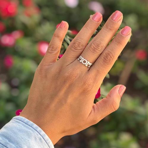 טבעת MOM כסף 925 משובצת