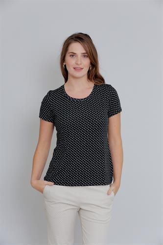 חולצת טריקו קצרה עם נקודות לבנות