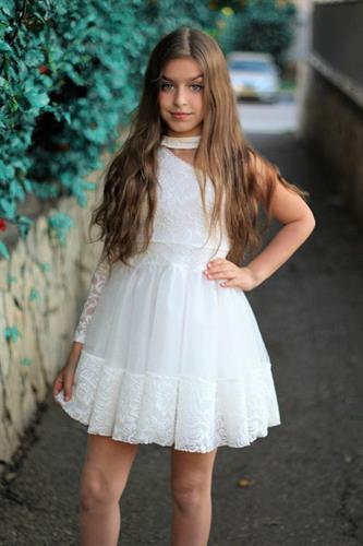 שמלת טוטו חצי כתף
