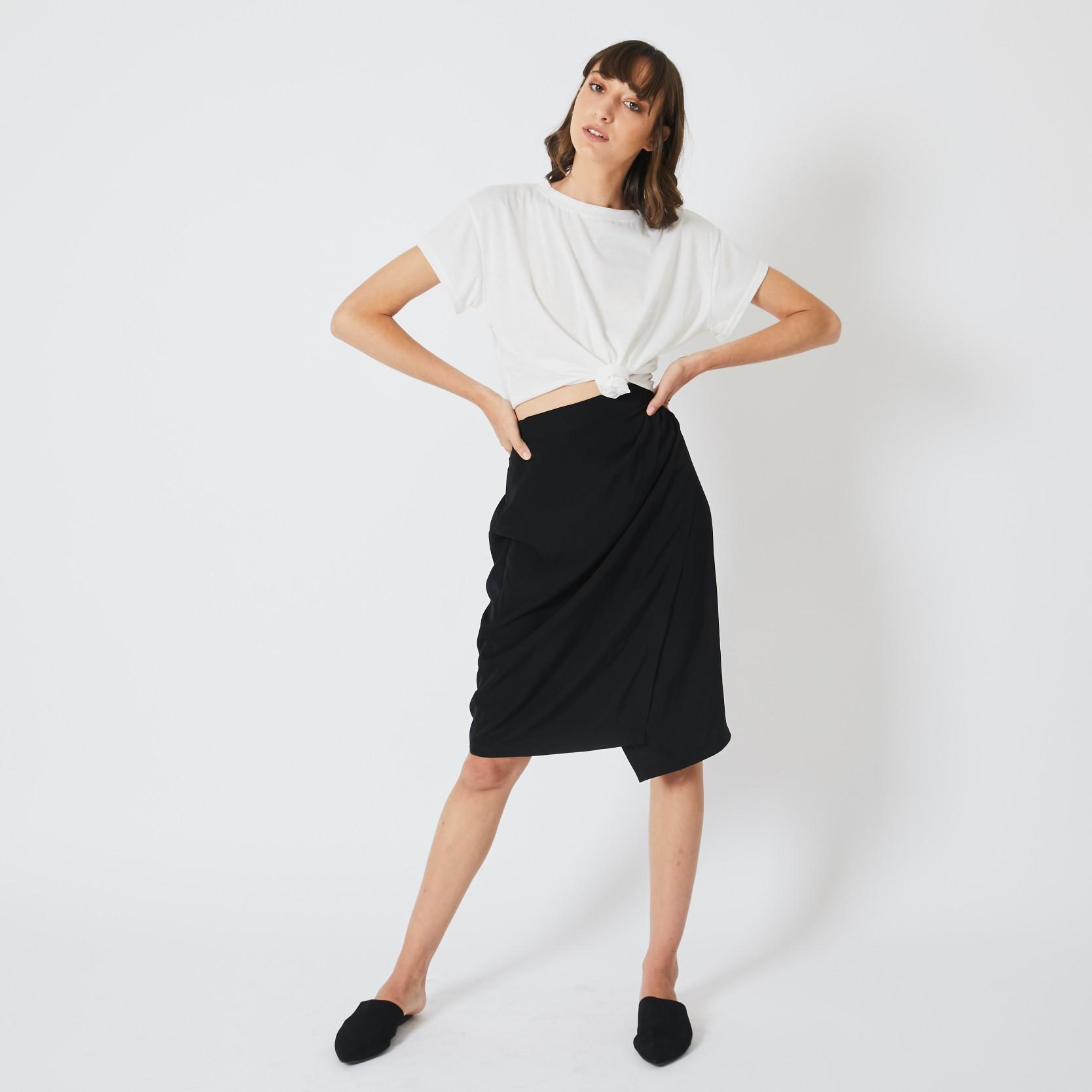 חצאית מוס שחורה