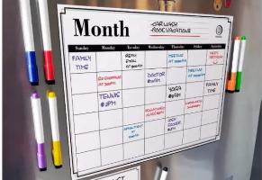 לוח שנה מחיק מגנטי