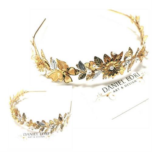 קשת פרחונית עם פרפר- זהב כסף