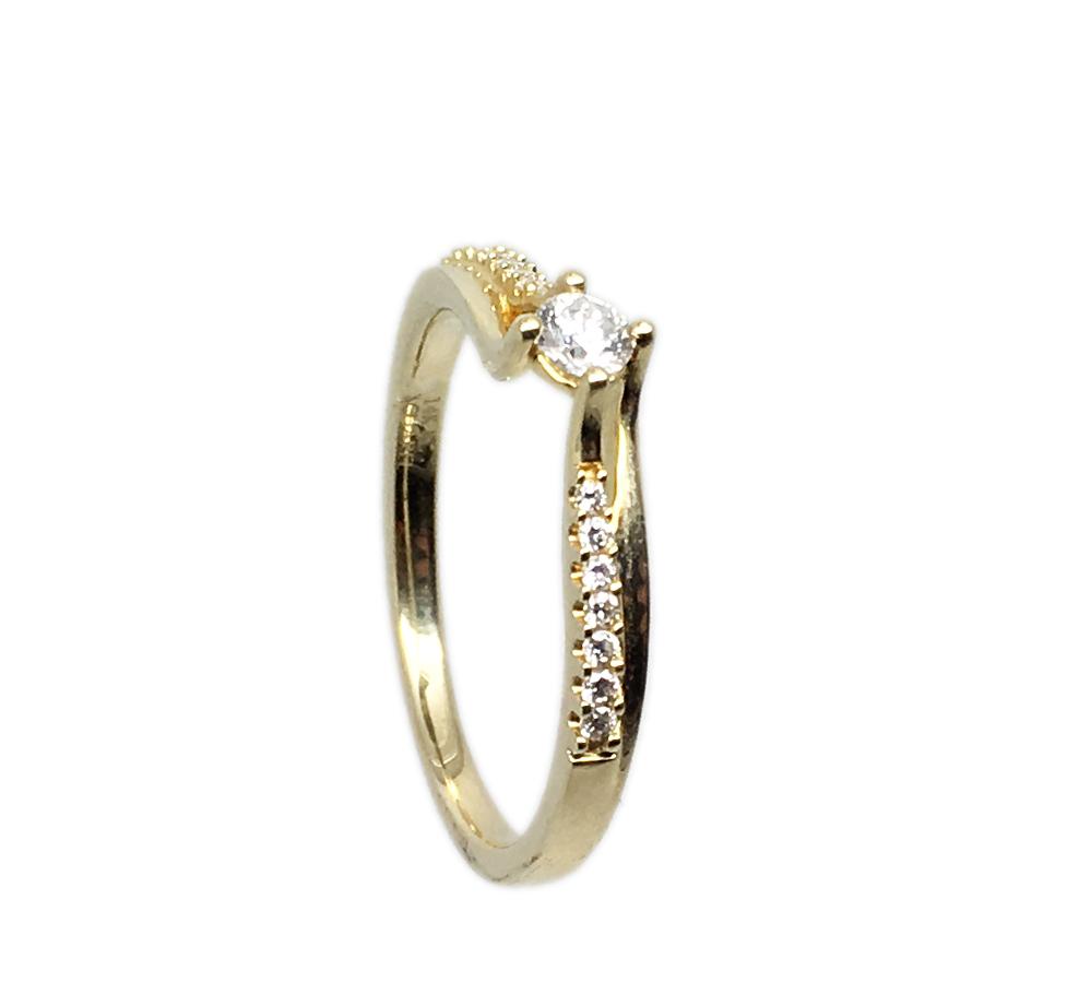 טבעת אירוסין זהב צהוב 14K יהלום מרכזי ויהלומים בצדדים MY04140133410