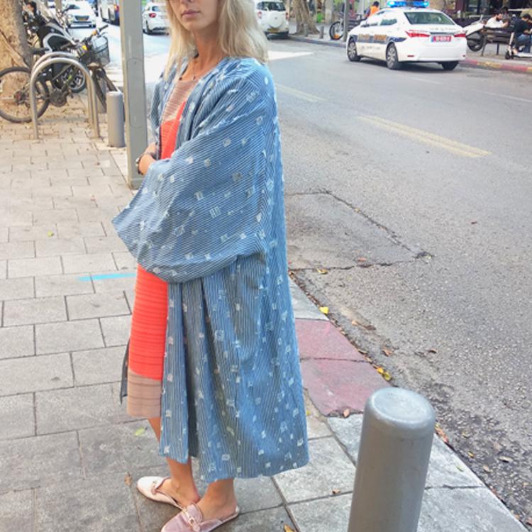 קימונו פיניקס ג'ינס חורים